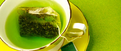 Green tea and red wine extracts disrupt Alzheimer